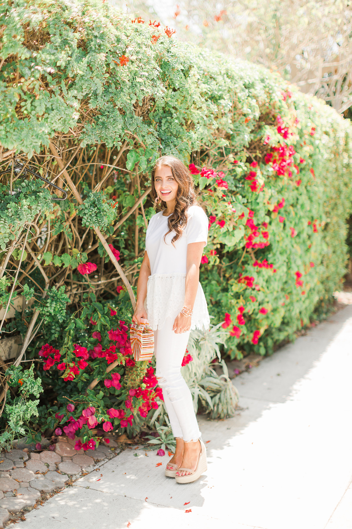 4 tips to wear white on white featured by popular Orange County fashion blogger, Maxie Elle